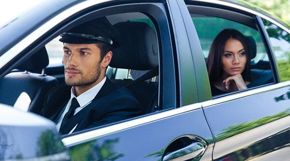 Chauffeur professionnel SUD VTC - véhicule de luxe